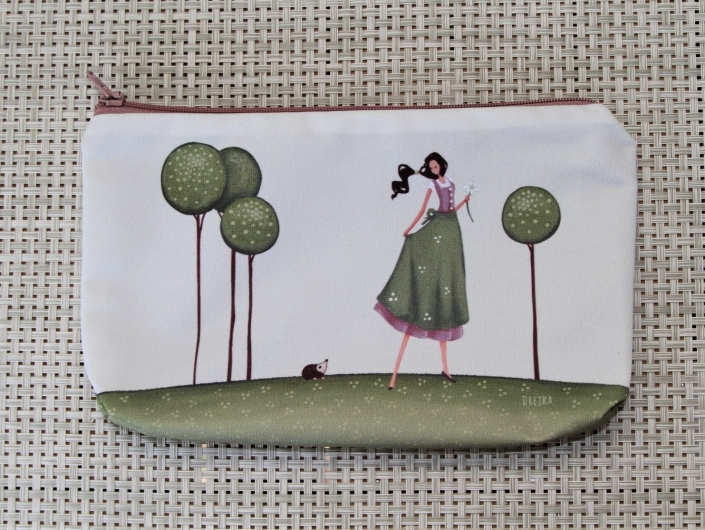 handbag - a girl and a hedgehog